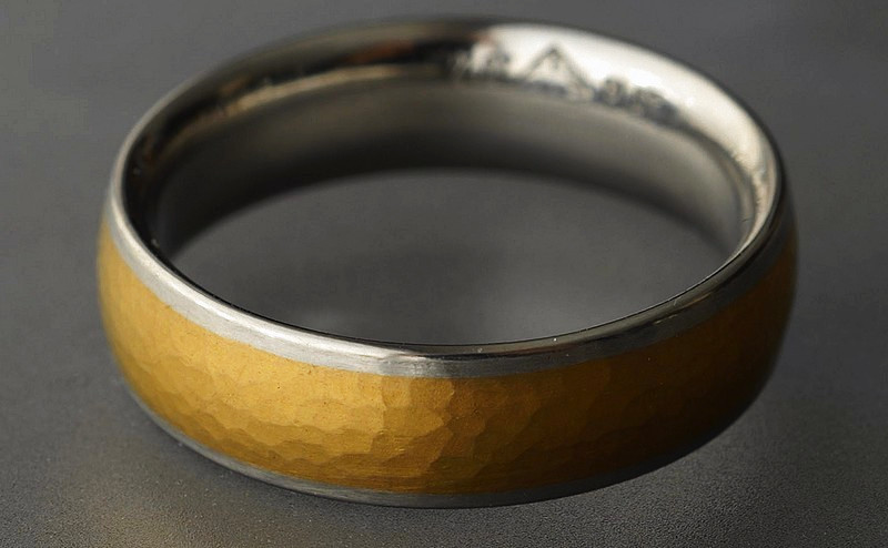 Platinum and 24ct Gold Ring No 2612